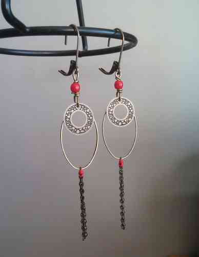 "Boucles ""Loeiza"" perle rouge"